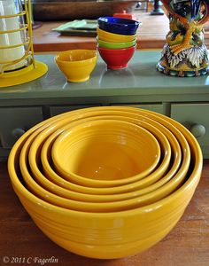 Mixing bowls - 75th Anniversary Marigold thelittleroundtable.com... hmmm... Debi needs these... good gift!