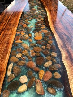 Walnut live edge river table with stone - Wohnideen - Resin Wood Diy Resin Table, Epoxy Wood Table, Epoxy Resin Table, Wood Tables, Wooden Table Diy, Wood Slab Dining Table, Epoxy Resin Flooring, Diy Epoxy, Side Tables