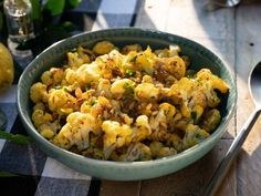 Get Roasted Cauliflower Salad with Saffron Vinaigrette Recipe from Food Network Side Dish Recipes, Vegetable Recipes, Vegetarian Recipes, Healthy Recipes, Free Recipes, Roasted Cauliflower Salad, Cauliflower Recipes, Valerie's Home Cooking Recipes, Cooking Food