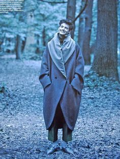 LOVE this coat by Romeo Gigli   http://theredlist.fr/wiki-2-23-1249-1260-view-1990s-profile-romeo-gigli-3.html#photo