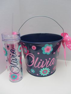 Personalized Gift pail bucket and tumbler set- 5 quart size. Many styles and colors available Easter Baskets, Gift Baskets, Cricut Vinyl, Cricut Air, Pail Bucket, Easter Projects, Personalized Gifts, Handmade Gifts, Do It Yourself Crafts