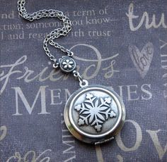 Silver Snowflake Locket Necklace Enchanted by TheEnchantedLocket, $29.00