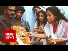 The 'milk miracle' that brought India to a standstill – BBC News – Haberler – Son dakika Ganesha, Bbc News, Drinking Milk, Bring It On, Hindus, Celebrities, Color, Celebs, Colour