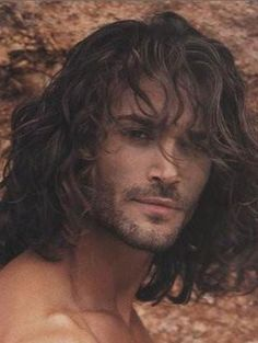 men with long hair | Messy hairstyles for men long hair