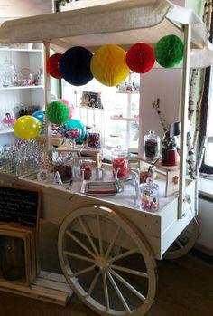 Ihr liebt es knallbunt? Dann wäre doch dieser fröhliche bunte Candywagen etwas für Euch. Candy Cart, Bar Cart, Furniture, Home Decor, Wedding, Decoration Home, Room Decor, Home Furnishings, Home Interior Design