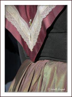 Costumes en Provence...  http://mistoulinetmistouline.eklablog.com http://www.lulu.com/spotlight/IsabelleEscapade http://www.my-art.com/isabelle-escapade/collections/provence