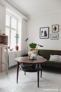 Hygge living - midcentury coffee table