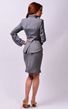 Ema suit by LauraGalic on Etsy Trendy Suits, Classy Suits, Look Office, Office Wear, Western Formal Wear, Blazers For Women, Jackets For Women, Mode Pro, Pantsuits For Women