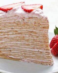 Strawberry Banana Crepe Cake Recipe by Tasty - Deserts - Best Cake Recipes Banana Crepes, Strawberry Crepes, Strawberry Banana, Strawberry Crepe Cake Recipe, Crêpe Recipe, Chocolate Crepes, Chocolate Butter, Cooking Tv, Waffles