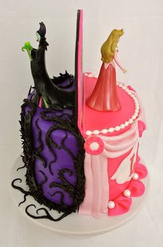 Recently, someone asked about a tutorial for the Aurora/Maleficent cake that I made for my niece's third birthday in January. Maleficent Party, Sleeping Beauty Cake, Aurora Sleeping Beauty, Beauty Party Ideas, Aurora Cake, Villains Party, Cake Blog, Disney Cakes, Themed Cakes
