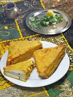 Chlebowe pakory z nadzieniem ziemniaczanym (Aloo Bread Pakoras) Cornbread, French Toast, Breakfast, Ethnic Recipes, Food, Millet Bread, Morning Coffee, Essen, Meals