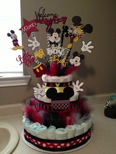 Mickey Mouse diaper cake bouquet Baby Mickey, Mickey Mouse Baby Shower, Baby Mouse, Baby Shower Diapers, Baby Shower Cakes, Baby Boy Shower, Baby Shower Themes, Baby Shower Gifts, Shower Ideas