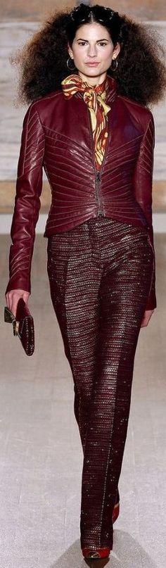 L'Wren Scott Londra - Spring Summer 2014 Ready-To-Wear - Shows - Vogue. Fashion Week, Runway Fashion, Fashion Show, Womens Fashion, Fashion Design, London Fashion, Fashion Fashion, L'wren Scott, Dark Autumn
