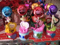 No Valentine, Valentine Bouquet, Preschool Arts And Crafts, Diy Crafts For Kids, Clown Crafts, Chocolate Flowers Bouquet, Happy Birthday Gifts, Candy Bouquet, Candy Party