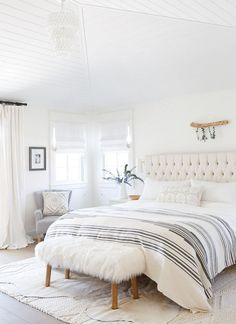 white bedroom master bedroom idea boho bohemian minimalist bedroom makeover scan - All About Decoration White Bedroom Decor, Bedroom Colors, Home Decor Bedroom, Bedroom Furniture, Bedroom Ideas, Bedroom Inspiration, White Decor, Bedroom Designs, Bedroom Benches