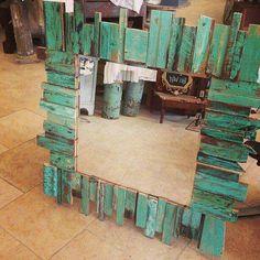Spiegel - Diy Home Decor Pallet Crafts, Pallet Art, Diy Pallet Projects, Wood Projects, Pallet Ideas, Furniture Projects, Wood Ideas, Furniture Stores, Cheap Furniture
