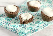 HOT CHOCOLATE MARSHMALLOW COOKIE CUPS