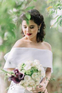 Vestido de noiva e buquê - Casamento Moderno