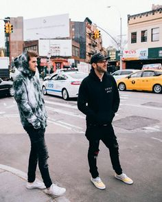 Alex and his fresh shoes are currently winning. Nothing But The Beat, Andrew Taggart, Mens Fashion, Fashion Outfits, Guy Outfits, Fashion Styles, Best Dj, Chainsmokers, Fresh Shoes