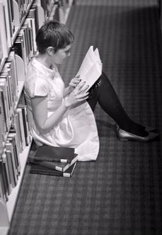 Library hideaway (I kinda wanted this on my pixie board too. look at her adorable hair and style! <3)