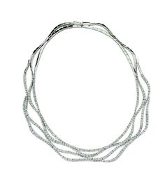 Be a classic bride with a touch of sparkle in this platinum and diamond necklace   #Eisemanbridal