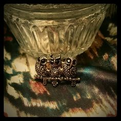 Owl ring Gold owl ring with adjustable band. Will fit any finger. Great piece. Open to offers. Jewelry Rings