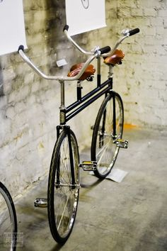 fixed tandem bike (! Velo Vintage, Vintage Bicycles, Bicycle Art, Bicycle Design, Tandem Bicycle, Tricycle, Dynamo, Push Bikes, Bike Style