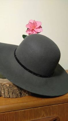Hey, I found this really awesome Etsy listing at https://www.etsy.com/ie/listing/273669412/wool-sun-hat-70s-style-grey-felted-wool