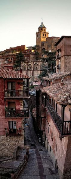 Albarracín is a picturesque town located in Teruel province (Spain). Their unique streets preserved its medieval layout, surrounded by stony hills. Places Around The World, The Places Youll Go, Travel Around The World, Places To See, Around The Worlds, Wonderful Places, Beautiful Places, Amazing Places, Magic Places