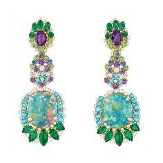 Dior Joaillerie  Brincos Résille Bouquet D'opales, em platina, ouro amarelo e rosa, diamantes, opals negras, esmeraldas, ametistas, turquesas, garnets e safiras. Coleção Dear Dior.