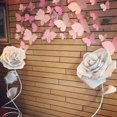 Simple bridal shower decorations backdrops 43 new ideas Pink Backdrop, Baby Shower Backdrop, Girl Baby Shower Decorations, Baby Shower Themes, Birthday Party Decorations, Shower Ideas, Butterfly Birthday Party, Butterfly Baby Shower, Butterfly Centerpieces