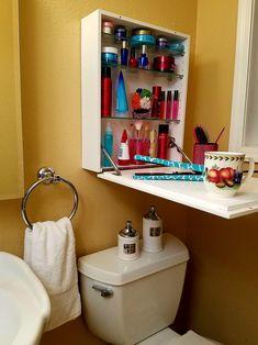 Pedastal Sink Storage, Pedistal Sink, Tiny Bathrooms, Guest Bathrooms, Bathroom Ideas, Bathroom Interior, Medicine Cabinet Organization, Medicine Storage, Toilet Storage