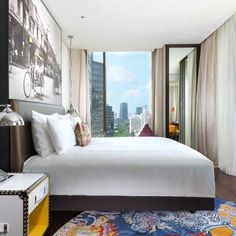 2015 At the Hotel Indigo® Bangkok Wireless Road hotel, our stylish guest rooms offer stunning views of downtown Bangkok,