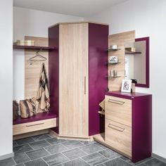 The entryway to your private home must be heat and welcoming. It is the very first thing individuals. Wardrobe Closet, Home Interior, Mudroom, Decoration, Entryway Decor, Doors, Design, Furniture, Barn