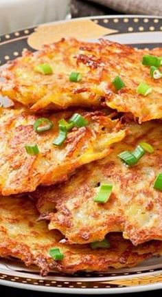 Crispy German Potato Pancakes - breakfast, lunch or dinner. So good! Potato Dishes, Potato Recipes, German Potato Pancakes, Polish Potato Pancakes, German Potatoes, Soup Appetizers, Cooking Recipes, Healthy Recipes, Lunch Recipes