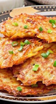 Crispy German Potato Pancakes - breakfast, lunch or dinner. So good! Potato Dishes, Potato Recipes, Food Dishes, Side Dishes, Vegetable Dishes, Vegetable Recipes, German Potato Pancakes, Easy Potato Pancakes, Polish Potato Pancakes