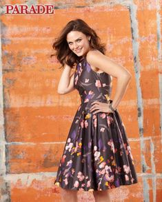 Actress Emily Deschanel talks about laughing it up, projecting a positive attitude and keeping healthy on the set of her hit show, Bones. Elvis And Priscilla, Priscilla Presley, Megan Boone, Bones Tv Show, Robert Sean Leonard, Emily Deschanel, David Boreanaz, Prop Styling, Girl Crushes