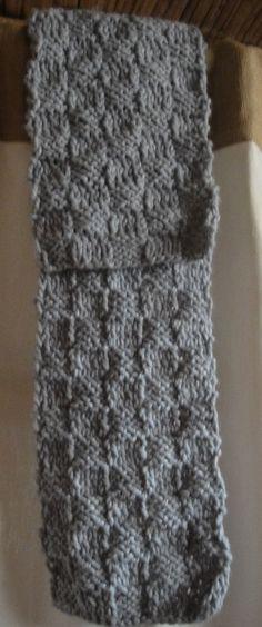 Bufanda de lana tejida en dos agujas. Punto Damero.