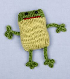 Free+Knitting+Loom+Patterns | Free Loom Pattern L10045 Loom Knit 2-Color Frog : Lion Brand Yarn ...