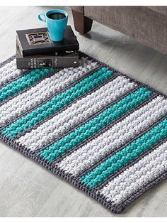 Crochet - Once you dig your toes into the big, super-plush bobbles of this cushy rug, you'll never want to step off! Includes written instructions only. This e-pattern was originally published in Crochet World magazine. Crochet Home Decor, Crochet Crafts, Crochet Projects, Free Crochet, Knit Crochet, Easy Crochet, Crochet Birds, Crochet Animals, Crochet Flowers