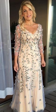 24 Stylish Mother Of The Bride Dresses ❤ mother of the bride dresses long maxi dresse with sleeves floral appliques vestidosoficial Mother Of The Bride Dresses Long, Mother Of Bride Outfits, Mothers Dresses, Long Mothers Dress, Mother Bride Dress, Grooms Mother Dresses, Mother Of The Bride Fashion, Vestidos Marisa, Petite Bride