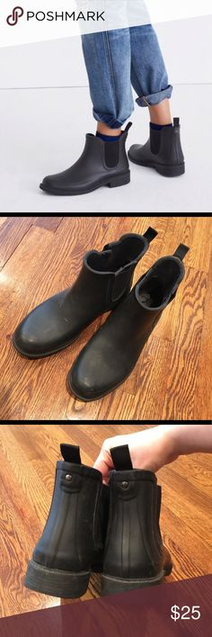Madewell Chelsea Rainboots Madewell short Chelsea Rain boots. Matte black. Size 8, true to size. Small tear on the outside rubber of left boot. Backordered until July  Get a head start on the fall season with these boots!   Make an offer; looking to clean out my closet! Madewell Shoes Winter & Rain Boots