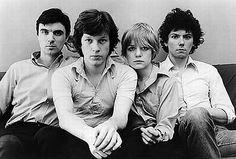 "31canzoni:labarceloneta:a href=""http://kimbrulee.tumblr.com/post/225998576/fuckyeahrocknroll-talking-heads"">kimbrulee:fuckyeahrocknroll:Talking Heads"