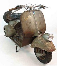 Vespa v31T. Faro Basso vintage scooter in rare original condition and paint / colour. Green / Grün