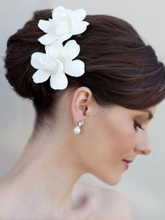 White Clay Gardenia Bridal Hair Flower.  For a less traditional look, try flowers instead of a veil wedding