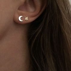 Gold Moon Ohrringe – Ohrstecker – Mondschmuck – Messing Ohrstecker Gold Moon Ohrringe – Ohrstecker – Mondschmuck – Messing Ohrstecker Related Cute Ear-Piercing Ideas and Types of Ear. Moon And Star Earrings, Moon Earrings, Cute Earrings, Diamond Earrings, Diamond Jewelry, Small Earrings, Diamond Studs, Earring Studs, Double Earrings