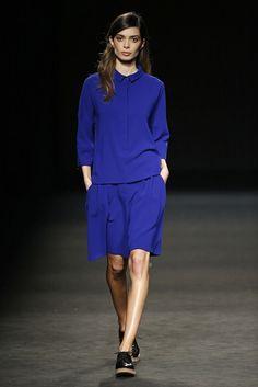 Sita Murt. Colección otoño-invierno 2015/2016. 080 Barcelona 080 Barcelona, Barcelona Fashion, Vogue, Georgia, That Look, High Neck Dress, Dresses For Work, Hailee Steinfeld, Seinfeld