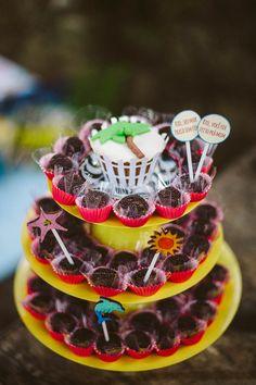 Festa Ele é Carioca | 2 anos do Rafael - Inspire Blog {Decoração e Papelaria: Santa Dica Festas | Fotografia: Leo Staccioli}