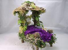 Fairy/Faery Bed/Dollhouse Furniture, Miniature.