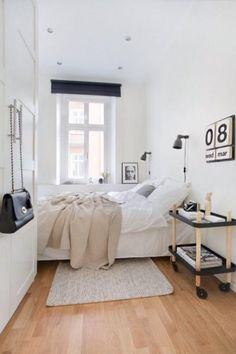 small bedroom design ideas and home staging tips for small rooms Cozy Small Bedrooms, Small Master Bedroom, Small Bedroom Designs, Small Room Design, Small Rooms, Small Spaces, Design Bedroom, Narrow Bedroom Ideas, Long Bedroom Ideas
